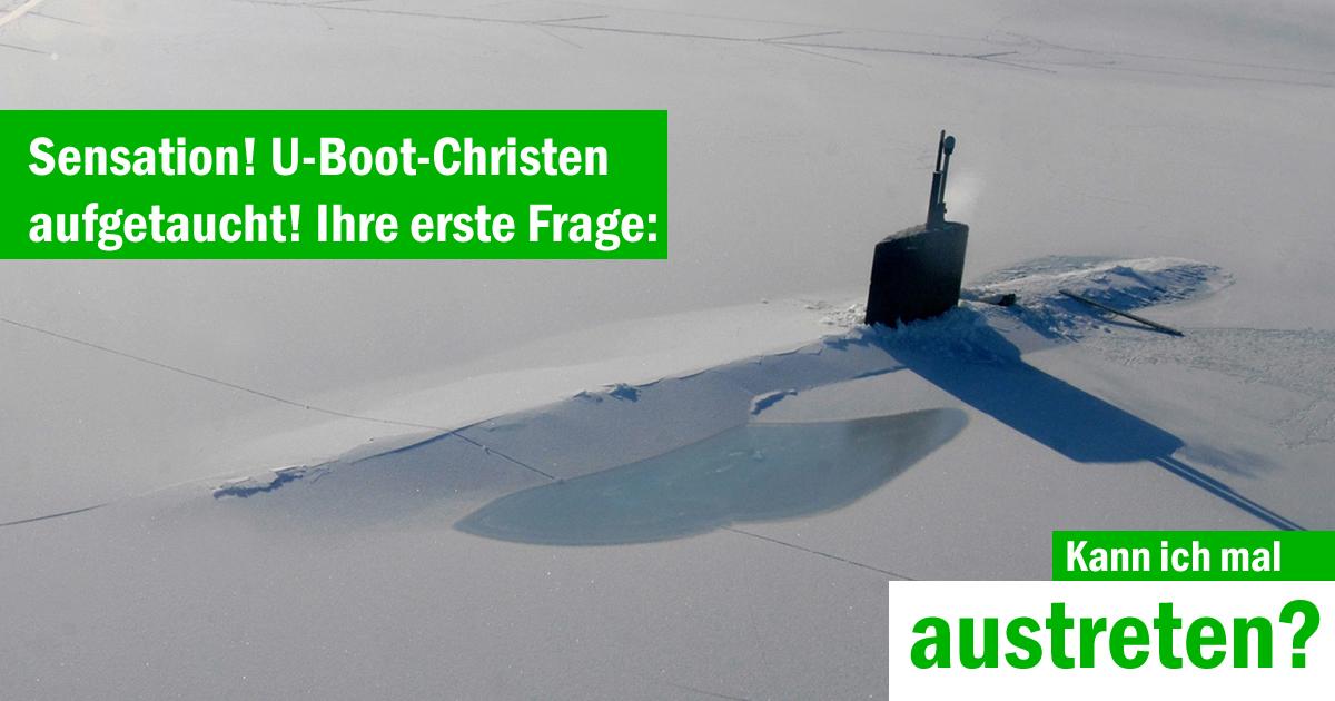 U-Boot-Christen treten aus der Kirche aus